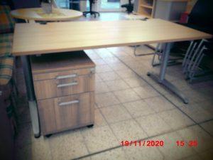 Schreibtisch-gebraucht